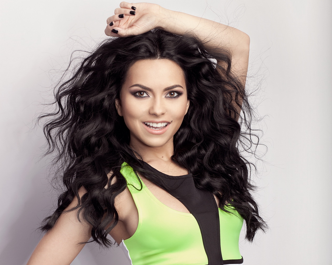 Inna-Elena-Alexandra-Green